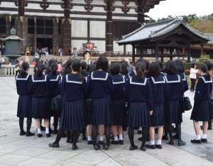 Schoolgirls at Grat Buddha Hall